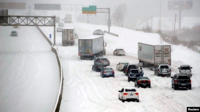 En Kansas las carreteras han estado una buena parte de este invierno bajo el azote de intensas nevadas.