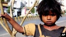 غذا کی کمی کے سبب بھارت میں ہر سال 20لاکھ بچے لقمہٴ اجل بن جاتے ہیں