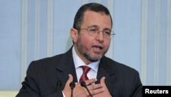 2일 카이로에서 기자회견을 가진 히샴 캰딜 이집트 신임 총리.