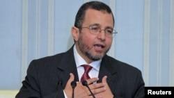 Thủ tướng Ai Cập Hisham Qandil nói chuyện tại cuộc họp báo ở Cairo, 2/8/12