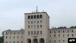 Universitetet e Shqipërisë hapin auditorët për 21 mijë studentë të rinj
