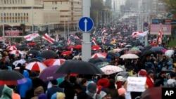 白俄羅斯民眾星期天在首都明斯克舉行抗議集會。