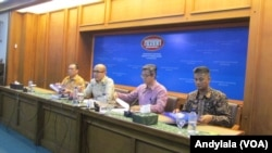 Juru Bicara Kementerian Luar Negeri RI Arrmanatha Nassir di kantor Kemenlu RI Pejambon Jakarta Kamis 12 Mei 2016. (Foto: VOA/Andylala).