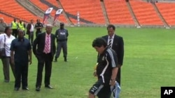 Argentina's national team coach, Diego Maradona inspected South Africa's stadiums and said he was impressed