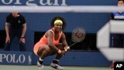 Serena Williams pasa a los cuartos de final del Abierto de EE.UU.