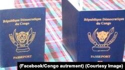 Le passeport semi-biométrique de la RDC, à gauche, et à droite le passeport 100% biométrique, 29 septembre 2017. (Facebook/Congo autrement)