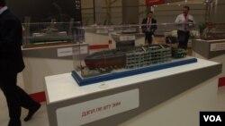 去年莫斯科武器展上展出的基洛级潜艇模型。
