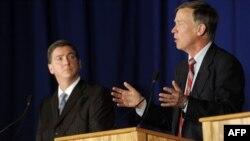 Дебаты между республиканцем Дэном Мэесом и мэром Денвера Джоном Хикенлупером