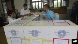اٹلی میں ریفرنڈم کی تیاریاں