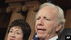 Senator AS Joe Lieberman dan Senator Susan Collins menyerukan hukuman berat bagi anggota Paswalpres yang bermasalah (foto: dok).