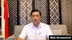 Menko Marves Luhut Binsar Pandjaitan dalam telekonferensi pers di Jakarta, Senin (13/9) mengatakan pemerintah akan memperpanjang PPKM per Level hingga 20 September (VOA)