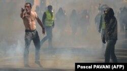 Toulouse'ta göstericiler polisle çatıştı