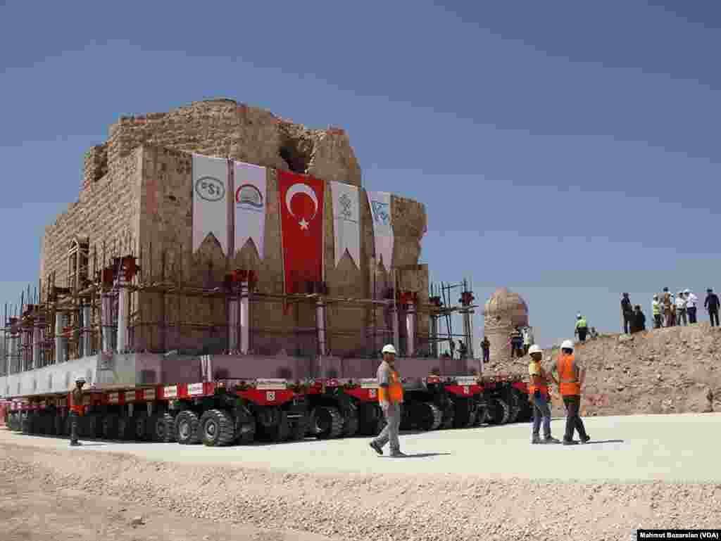 Ilısu Barajı'nda su tutulmaya başlanmasının ardından, Hasankeyf için de sona bir adım daha yaklaşıldı.