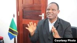 Waziri wa Kilimo Japhet Hasunga,