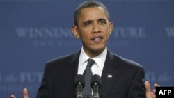 Tổng thống Obama cam kết cố gắng hơn nữa để các doanh nghiệp có thể hoạt động dễ dàng hơn, bằng cách giảm thêm thuế và giảm bớt luật lệ