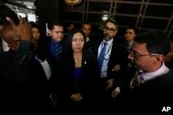 Katherine Harringthon, vicefiscal general de Venezuela nombrada por la Corte Suprema no pudo entrar al Ministerio Público en Caracas cuando se presentó para su primer día de trabajo. Julio 6, 2017.
