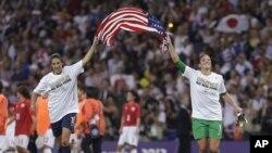La volante Carli Lloyd marcó dos goles que consolidaron la victoria de EE.UU.