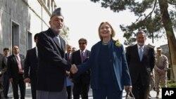 سفر هلری کلنتن به کابل نشان دهنده تاکید کمک ایالات متحده به افغانستان است
