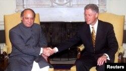 نواز شریف اور بل کلنٹن کی اوول آفس میں ملاقات۔ 2 دسمبر 1998