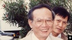 Nhà văn Nguyễn Mộng Giác 1940 - 2012 (ảnh do Nguyễn Xuân Hoàng chụp)
