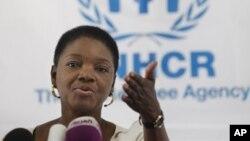 Wakil Sekjen PBB Urusan Kemanusiaan dan Koordinator Bantuan Darurat, Valerie Amos, membahas isu kewarganegaraan yang peka bagi warga Rohingya, kelompok minoritas Muslim yang tertindas di Burma, dengan Presiden Thein Sein (foto: dok).