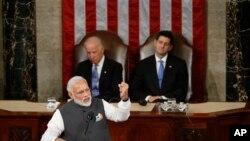 نرندرا مودی صدر اعظم هند در سفرش به واشنگتن، علاقمندی اش را به گسترش روابط با ایالات متحده ابراز داشت
