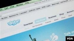 En 2010, Skype registró alrededor de 124 millones de usuarios conectados mensualmente, de los cuales ocho millones son pagos.