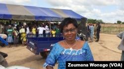 Assita Koné, présidente de l'Association des producteurs de mung bean, au Burkina, le 23 septembre 2017. (VOA/Zoumana Wonogo)