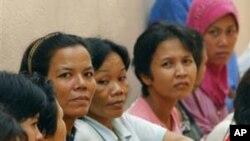 ผู้หญิงกัมพูชากำลังมุ่งหางานทำในมาเลเซียมากขึ้น ขณะที่มีการคุ้มครองให้พ้นจากการกดขี่ข่มเหงน้อย