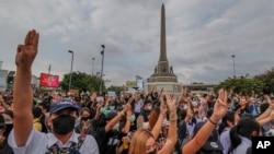 Biểu tình chống chính phủ tại Đài Kỷ niệm Chiến thắng ở Bangkok, Thái Lan, ngày 21/10/2020.