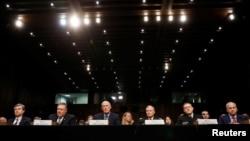 """Các giới chức an ninh tình báo cao cấp Mỹ điều trần trước Ủy ban Tình báo Thượng viện về """"Những Đe dọa Toàn cầu"""" ngày 13/2/2018."""