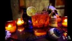 """美国万花筒: """"瓢虫屋""""酒吧宾客满座"""