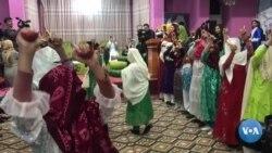 Afg'oniston: O'zbek xotin-qizlarning madaniy faolligi oshmoqda