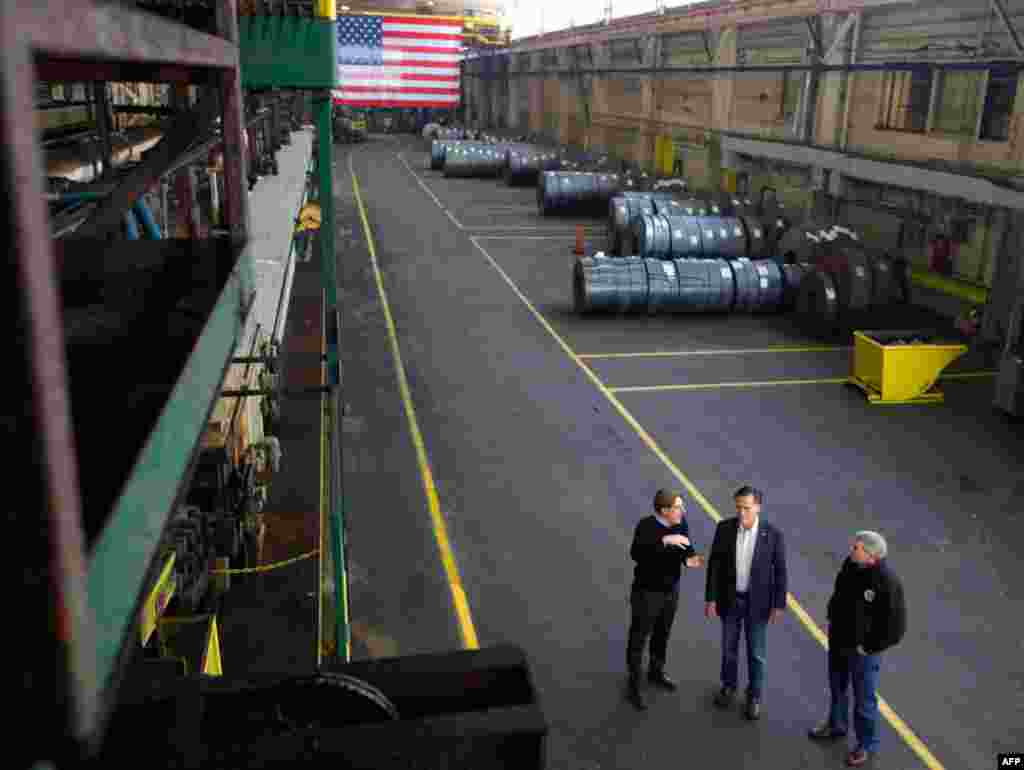 Митт Ромни во время визита на завод компании Gregory Industries в штате Огайо 5 марта 2012 г.