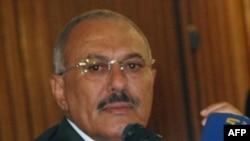 Tổng thống Yemen Ali Abdullah Saleh phát biểu với báo chí tại thủ đô Sanaa ngày 22/5/2011