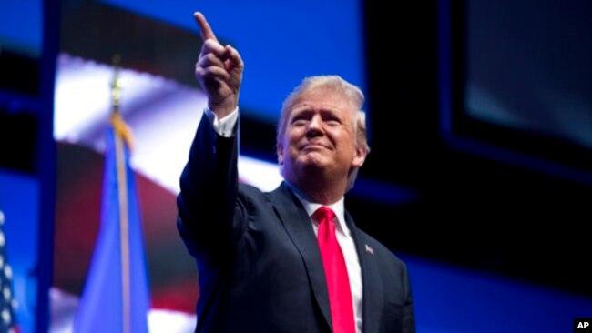 特朗普誓言在边界墙问题上绝不后退