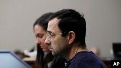 Larry Nassar au tribunal, le 24 janvier 2018, Lansing, Michigan, USA.