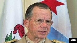 ABŞ-ın birgə hərbi qərargahlar rəisi, admiral Mayk Müllen Türkiyənin hərbi qüvvələrinin komandanı İşık Koşanərlə görüş keçirir