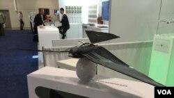 یک شرکت فرانسوی پهپادهای پرنده مانند تولید کرده که میتواند با هر شارژ هشت دقیقه پرواز کند