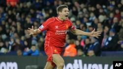 Thủ quân Steven Gerrard của Liverpool