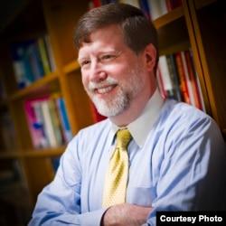 乔治·梅森大学政府和政治学系教授马克·凯茨 (照片由作者提供)
