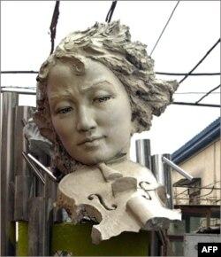 张志新雕像