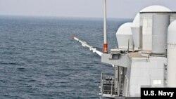 """美军2009年9月测试""""鱼叉""""第二批次导弹(美国海军图片)"""