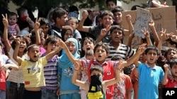 敘利亞難民逃往土耳其。