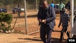 Job Sikhala on his way to court ...