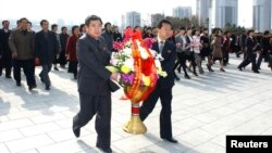 Pyongyang dejó de lado sus amenazas de guerra, y se dedicó a celebrar el natalicio de su fundador Kim Il Sung.