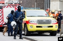Cảnh sát Bỉ trên đường phố ở Brussels.