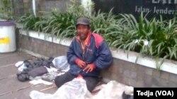 2,9 juta lansia di Indonesia terlantar, hanya 58 persen yang potensial (Foto: VOA/Tedja)