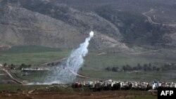 지난 28일 이스라엘과 접경지역에 있는 레바논 마을에서 이스라엘의 폭격으로 연기가 솟고 있다.