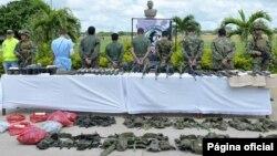 Tentara Kolombia menangkap beberapa anggota pemberontak FARC (foto: dok).